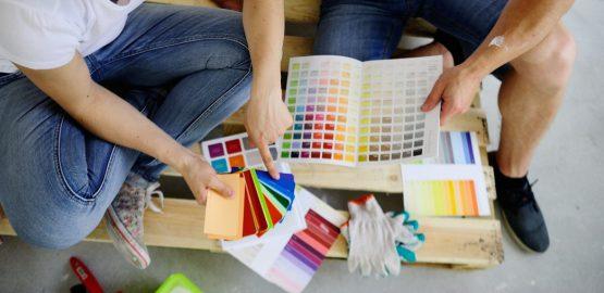farby-v-interieri-ako-na-nas-vplyvaju-a-podla-coho-ich-vyberat